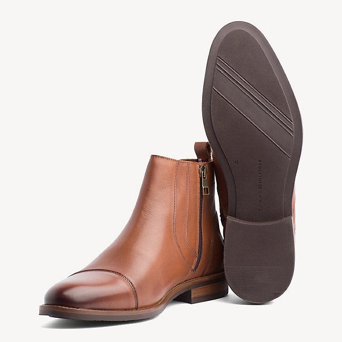 7126666de Essential Zip-Up Chelsea Boots