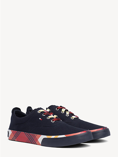 215ace18c2d1d TOMMY HILFIGERSneakers con motivo sull intersuola