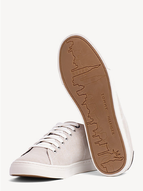 TOMMY HILFIGERSneakers con cucitura a contrasto. € 74 4a98efb896e