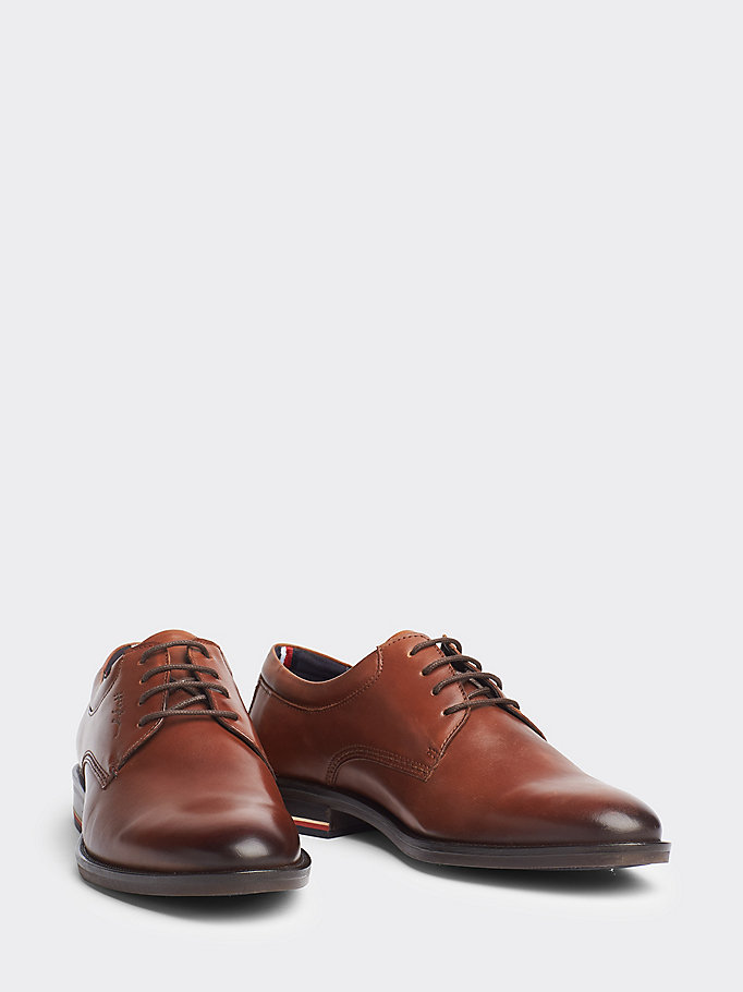 Signature Smooth Leather Shoes | BROWN