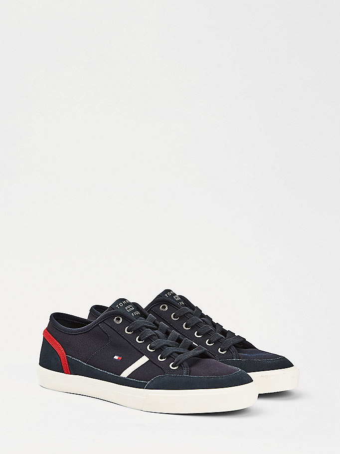 blue signature low-top trainers for men tommy hilfiger