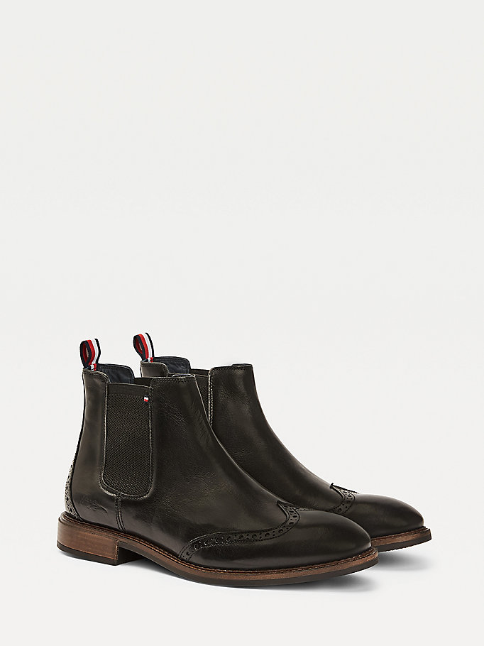 stivaletti chelsea stile brogue in pelle nero da men tommy hilfiger
