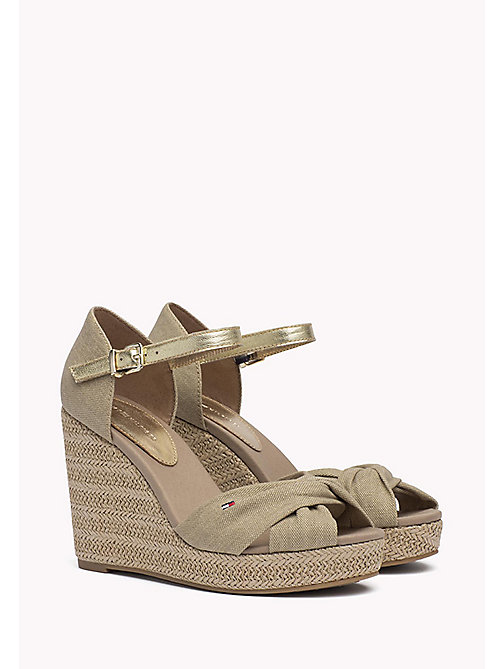 TOMMY HILFIGER Kultsandale Elena in Metallic-Opt - SAND - TOMMY HILFIGER Wedges - main image