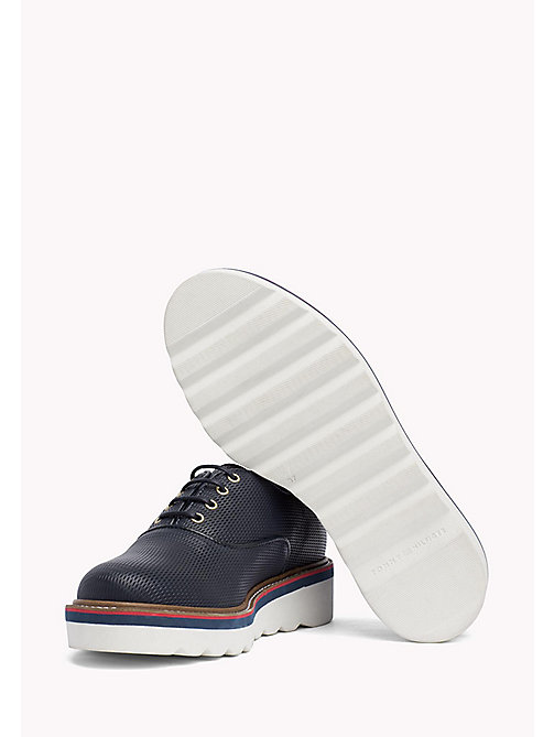 TOMMY HILFIGER Perforated Lace-Up Shoes - MIDNIGHT - TOMMY HILFIGER Chaussures plates - image détaillée 1