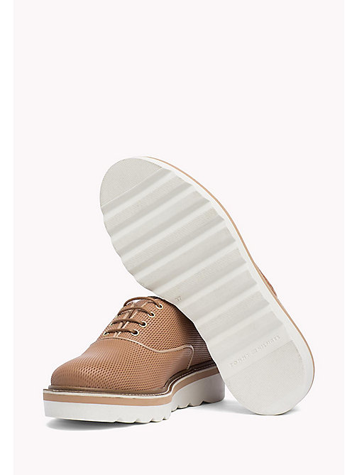 TOMMY HILFIGER Perforated Leather Shoes - SILKY NUDE - TOMMY HILFIGER Chaussures Plates - image détaillée 1