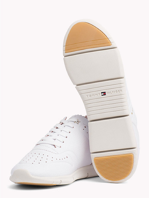 TOMMY HILFIGER Lightweight Leather Scalloped Tongue Trainers - WHITE - TOMMY HILFIGER VACATION FOR HER - detail image 1
