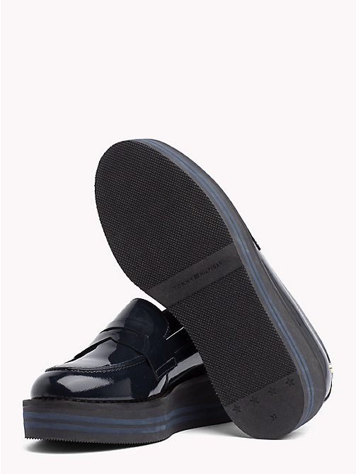 TOMMY HILFIGER Flatform-Loafer aus Lackleder - MIDNIGHT - TOMMY HILFIGER NEW IN - main image 1