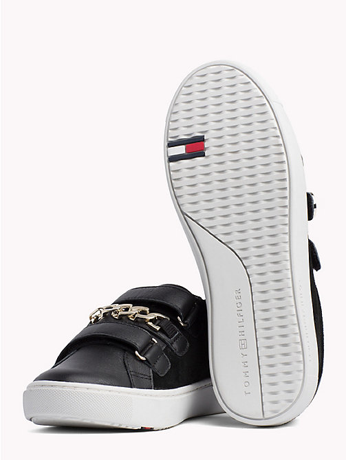TOMMY HILFIGER Baskets en cuir à sangle chaîne - BLACK - TOMMY HILFIGER Baskets - image détaillée 1