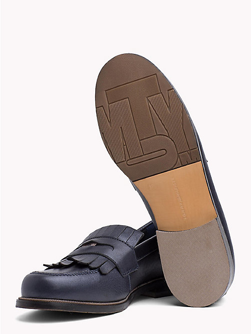 TOMMY HILFIGER Mokasyny penny loafers z metalizowanej skóry - TOMMY NAVY -  NEW IN - detail image 1