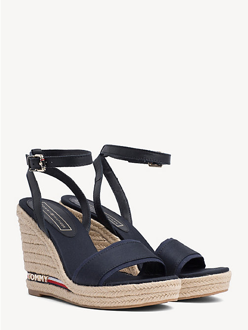 d652357415316 TOMMY HILFIGERWedge Heel Signature Tape Sandals. 8 990