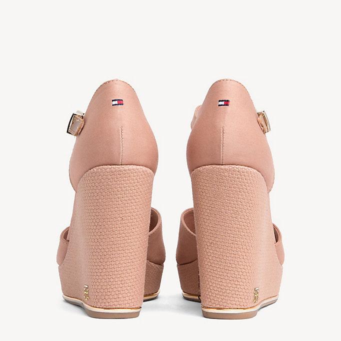 Sandale mit hohem Keilabsatz | SILKY NUDE | Tommy Hilfiger