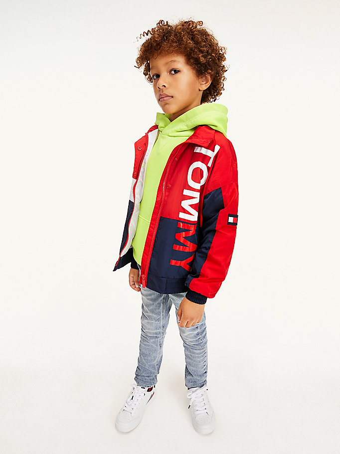 red colour-blocked logo jacket for kids unisex tommy hilfiger