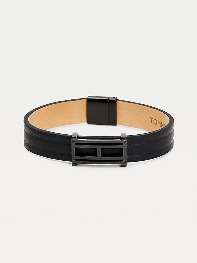 black flag plaque black leather bracelet for men tommy hilfiger