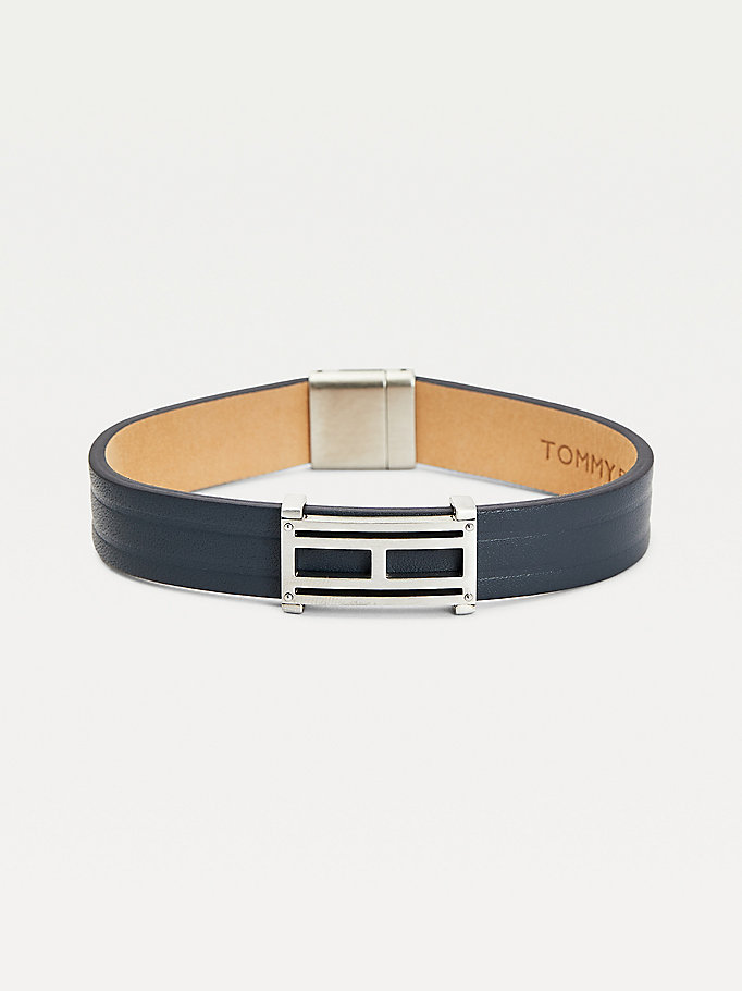 grey flag plaque grey leather bracelet for men tommy hilfiger