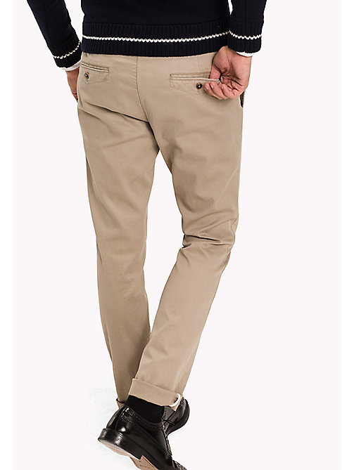 TOMMY HILFIGER Slim Fit Chino - BATIQUE KHAKI - TOMMY HILFIGER Hosen - main image 1