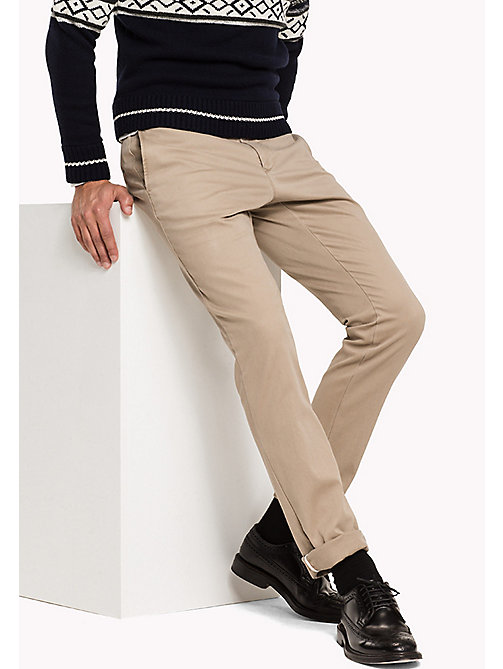TOMMY HILFIGER Slim Fit Chino - BATIQUE KHAKI - TOMMY HILFIGER Hosen - main image