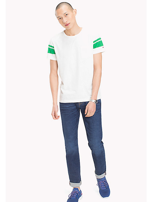 TOMMY HILFIGER Regular fit gestreept T-shirt - SNOW WHITE - TOMMY HILFIGER T-Shirts & Polo's - main image
