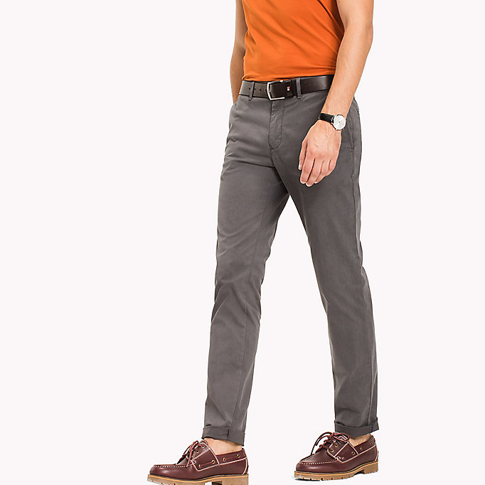 TOMMY HILFIGER Slim fit chino van stretchkatoen - WALNUT - TOMMY HILFIGER Kleding - main image