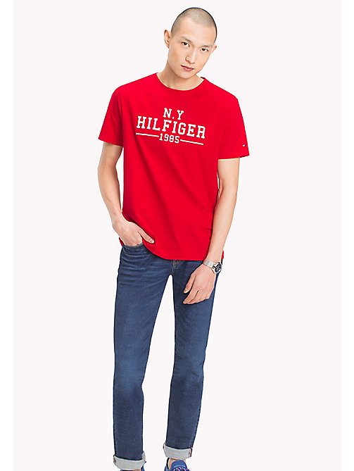 TOMMY HILFIGER Logo Print Regular Fit T-Shirt - BARBADOS CHERRY - TOMMY HILFIGER Men - main image