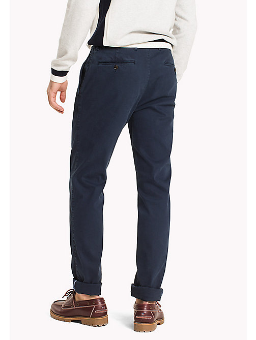 TOMMY HILFIGER Chino Bleecker slim fit - NAVY BLAZER - TOMMY HILFIGER Pantaloni Chino - dettaglio immagine 1