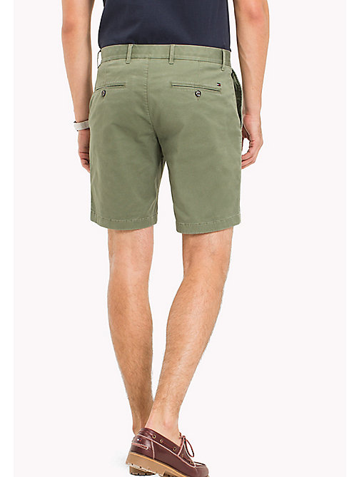 TOMMY HILFIGER Regular Fit Shorts mit Mikroprint - FOUR LEAF CLOVER - TOMMY HILFIGER Shorts - main image 1