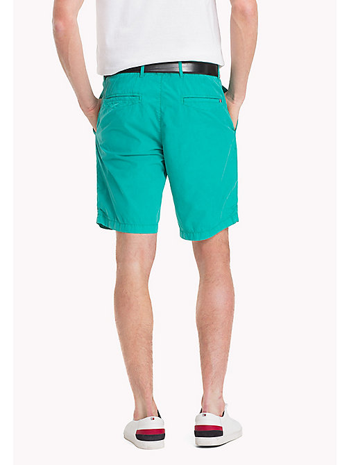 TOMMY HILFIGER Regular Fit Shorts aus Baumwolle - SPECTRA GREEN - TOMMY HILFIGER Shorts - main image 1