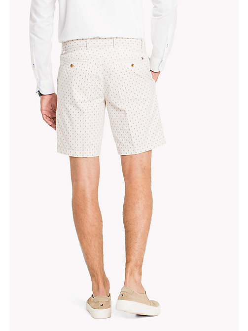 TOMMY HILFIGER Shorts estampados de textura Oxford y corte regular - OYSTER GRAY - TOMMY HILFIGER Men - imagen detallada 1