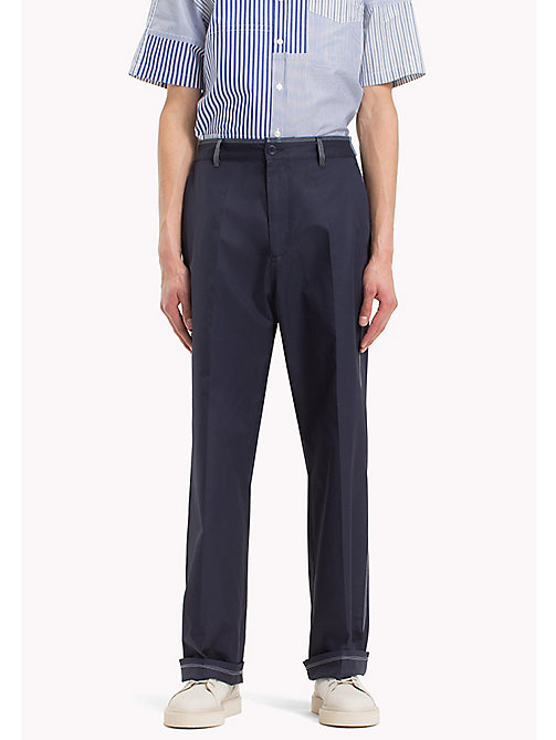 HILFIGER COLLECTION Pantaloni chino taglio comodo con cuciture a contrasto - SKY CAPTAIN - HILFIGER COLLECTION HILFIGER COLLECTION - immagine principale
