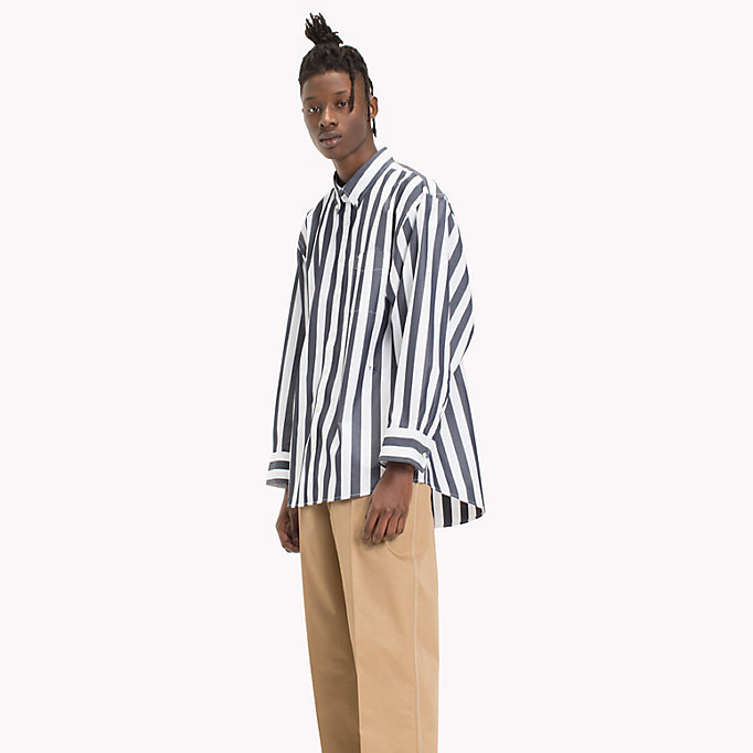 HILFIGER COLLECTION Gestreiftes Hemd in Oversized Fit - POMEGRANATE / BRIGHT WHITE - HILFIGER COLLECTION Herren - main image 1