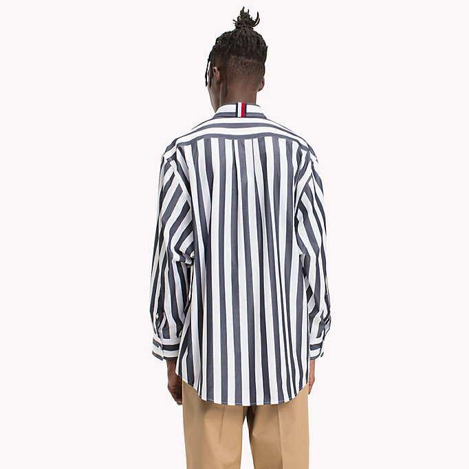 HILFIGER COLLECTION Gestreiftes Hemd in Oversized Fit - POMEGRANATE / BRIGHT WHITE - HILFIGER COLLECTION Herren - main image 2