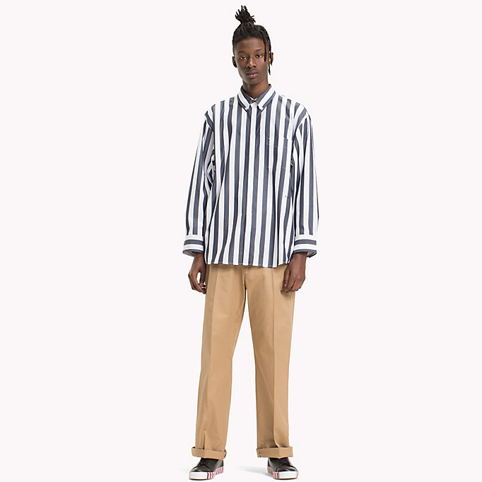 HILFIGER COLLECTION Gestreiftes Hemd in Oversized Fit - POMEGRANATE / BRIGHT WHITE - HILFIGER COLLECTION Herren - main image 4