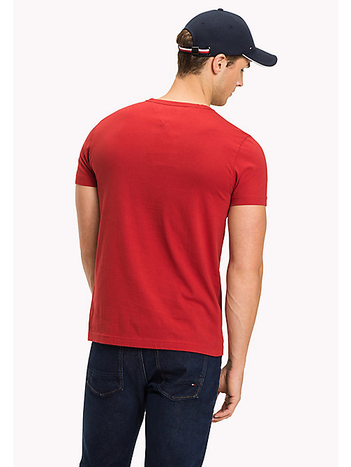 TOMMY HILFIGER Gestreiftes T-Shirt mit Logo - HAUTE RED - TOMMY HILFIGER Sustainable Evolution - main image 1