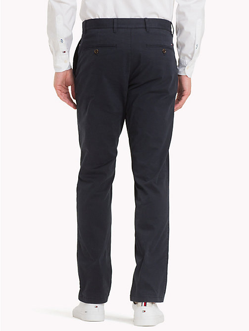 TOMMY HILFIGER Pantaloni chino in cotone biologico - SKY CAPTAIN - TOMMY HILFIGER Sustainable Evolution - dettaglio immagine 1