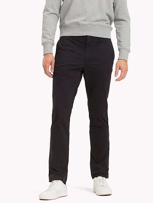 TOMMY HILFIGER Pantaloni chino slim fit in cotone biologico - JET BLACK - TOMMY HILFIGER Sustainable Evolution - immagine principale