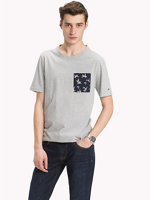 TOMMY HILFIGER Bamboo Print Pocket T-Shirt - CLOUD HTR - TOMMY HILFIGER Vacation Style - main image