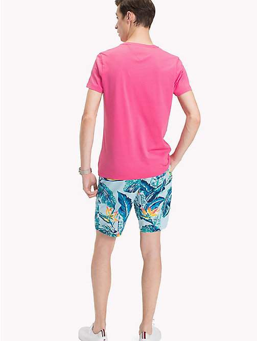 TOMMY HILFIGER T-shirt con logo Tommy Hilfiger - PINK LEMONADE - TOMMY HILFIGER Looks per le vacanze - dettaglio immagine 1