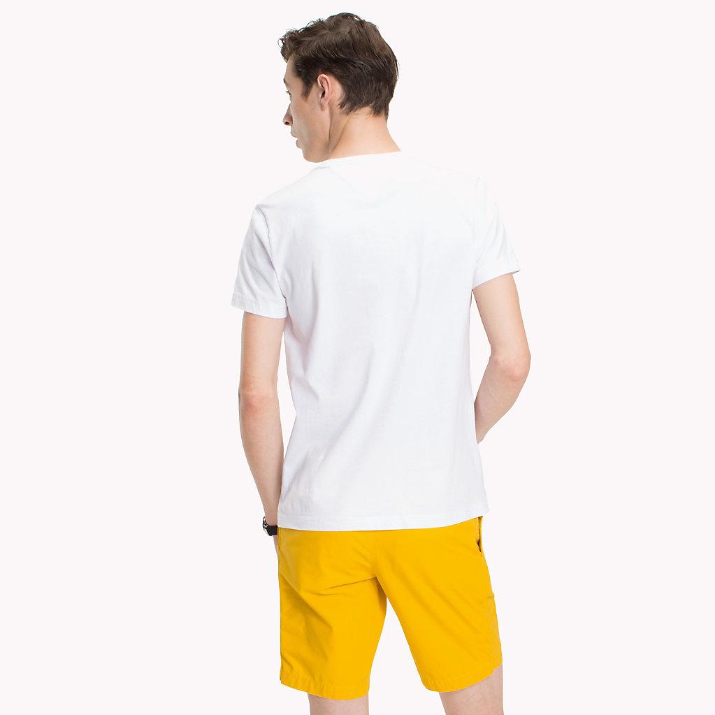 Tommy Hilfiger - Camiseta con estampado de playa y corte regular - 2