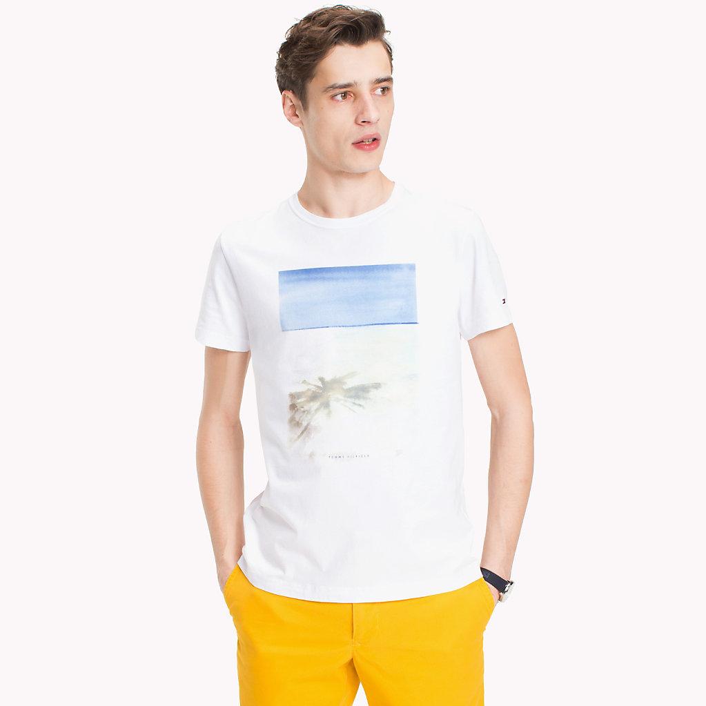 Tommy Hilfiger - Camiseta con estampado de playa y corte regular - 1