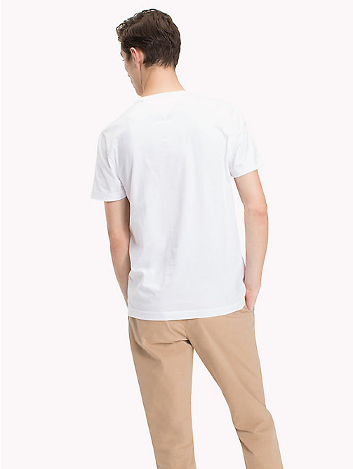 TOMMY HILFIGER T-shirt regular fit con logo e scritta - BRIGHT WHITE - TOMMY HILFIGER T-Shirts - dettaglio immagine 1