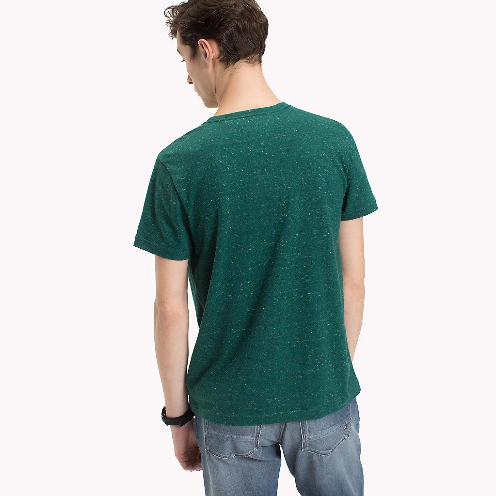 Tommy Hilfiger - T-Shirt mit aufgesetzter Tasche - 2