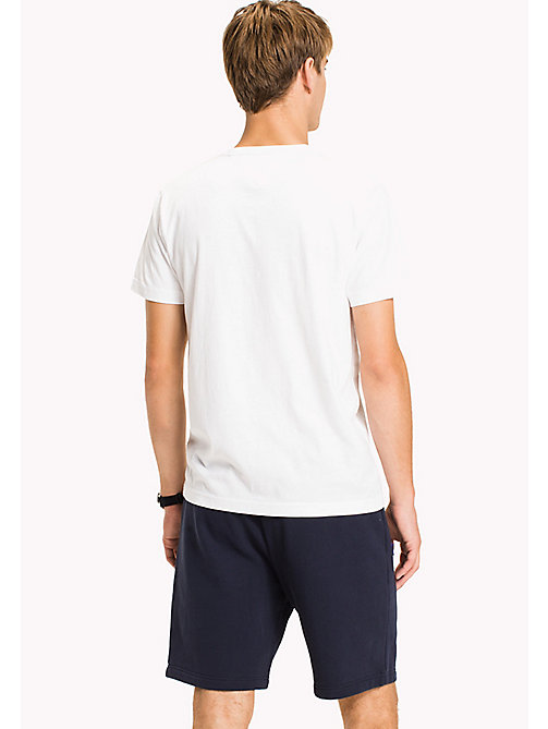 TOMMY HILFIGER Big & Tall T-shirt con stampa logo - BRIGHT WHITE - TOMMY HILFIGER Big & Tall - dettaglio immagine 1