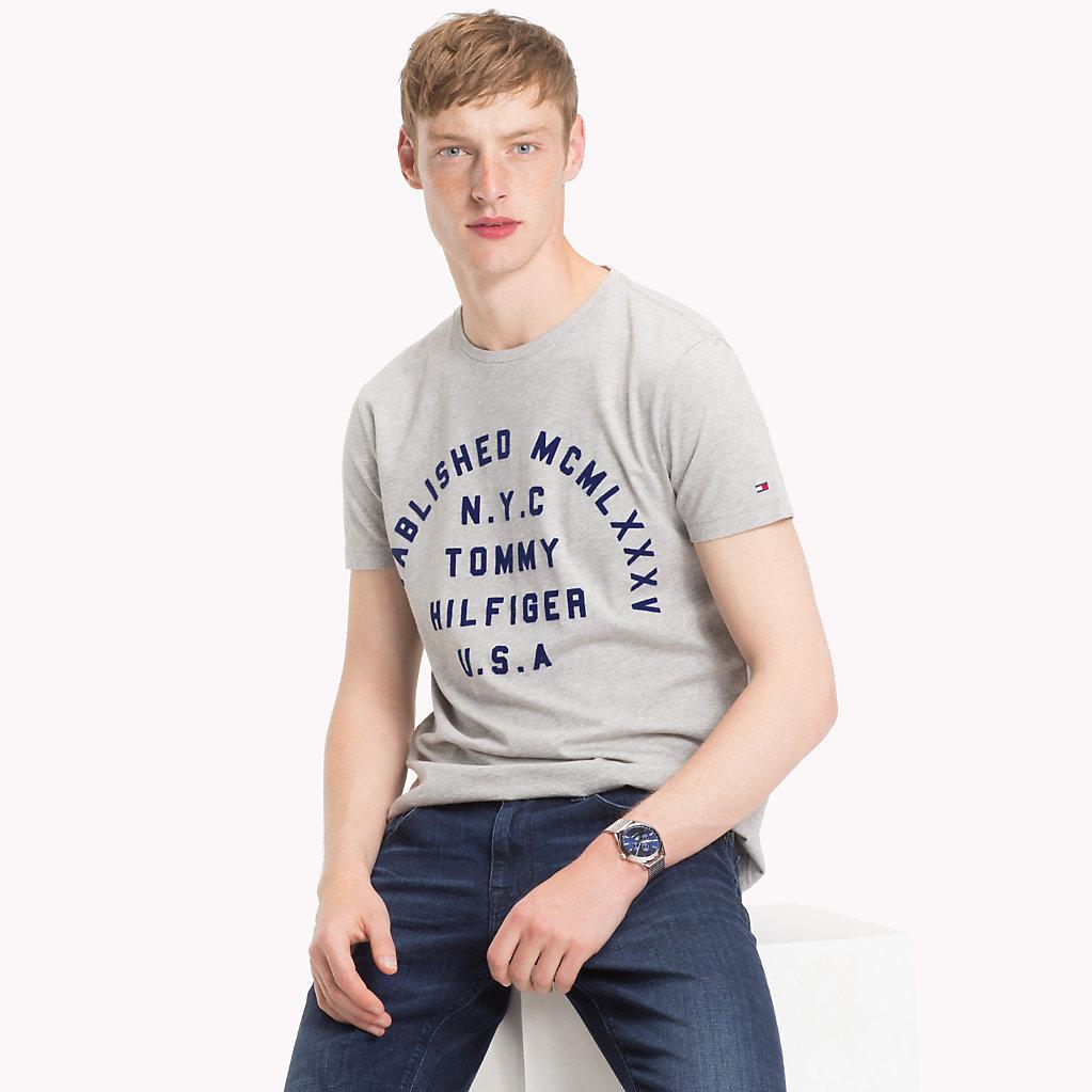 Tommy Hilfiger - Camiseta de algodón orgánico con logo estampado - 1