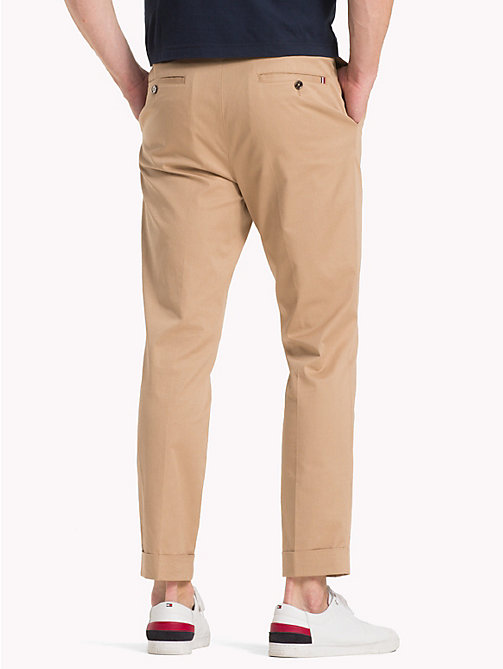 TOMMY HILFIGER Cropped Tapered Twill Trousers - BATIQUE KHAKI - TOMMY HILFIGER NEW IN - detail image 1