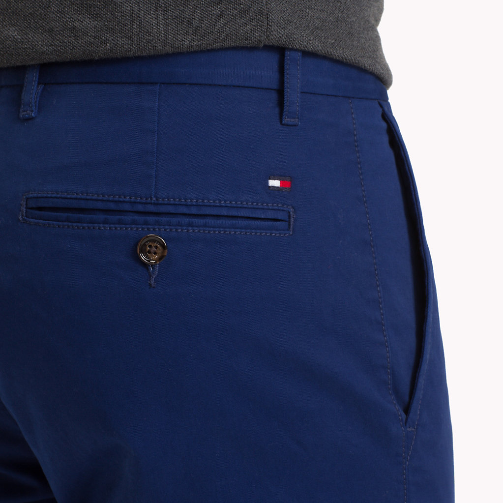 Tommy Hilfiger - Pantalón chino de algodón elástico y corte recto - 4
