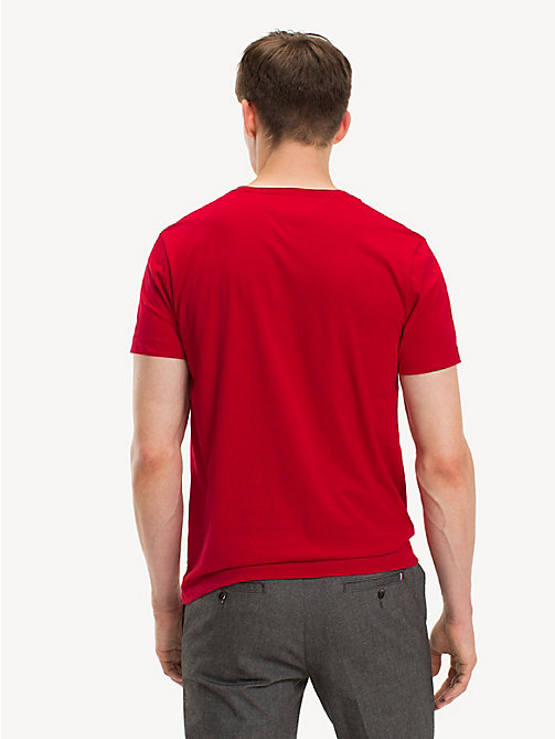 TOMMY HILFIGER Signatur-T-Shirt aus Bio-Baumwolle - HAUTE RED - TOMMY HILFIGER Sustainable Evolution - main image 1