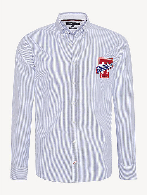 TOMMY HILFIGER Chemise à écusson en coton extensible - SHIRT BLUE / BRIGHT WHITE - TOMMY HILFIGER Sustainable Evolution - image principale