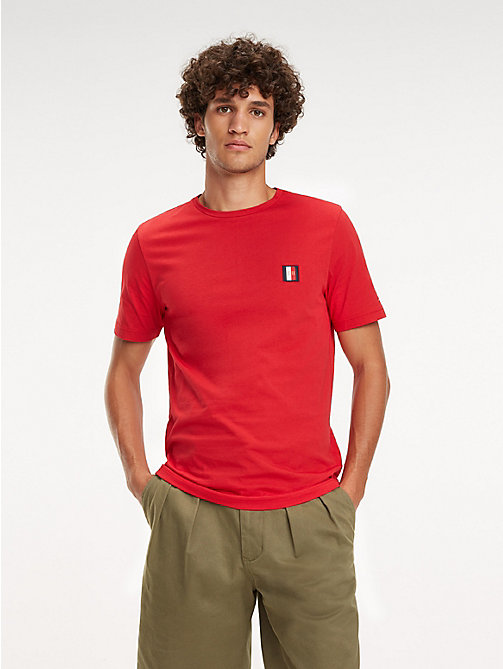 TOMMY HILFIGER Baumwoll-T-Shirt mit Monogramm-Patch - HAUTE RED - TOMMY HILFIGER NEW IN - main image