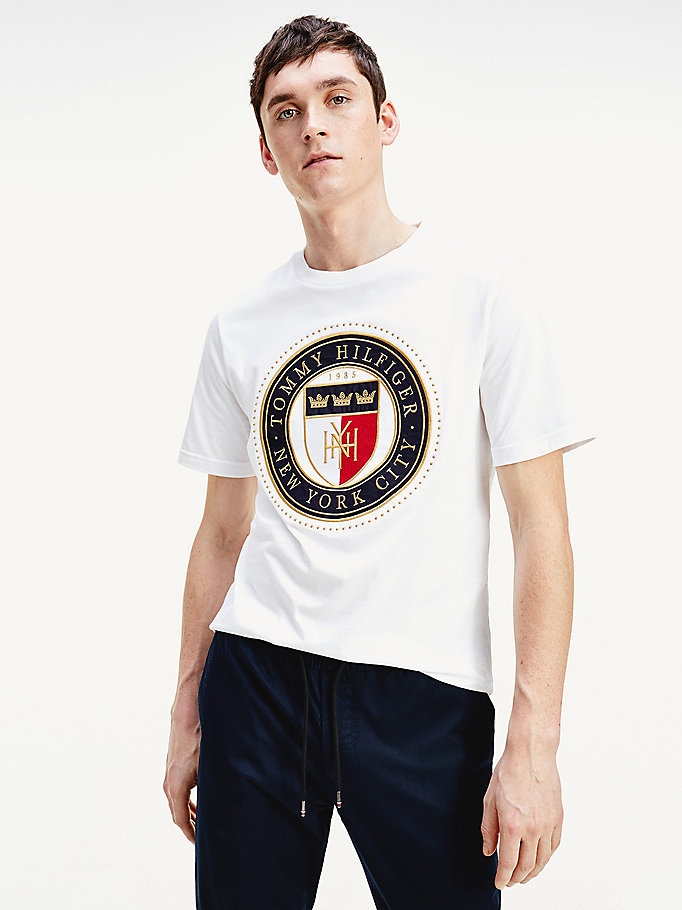white shield logo relaxed fit t-shirt for men tommy hilfiger