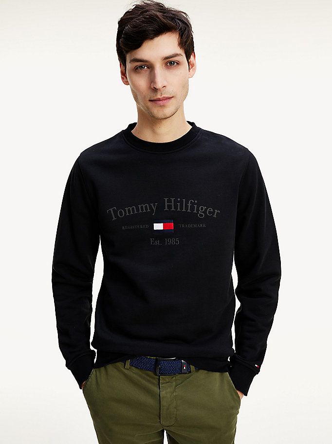 black organic cotton 1985 logo sweatshirt for men tommy hilfiger