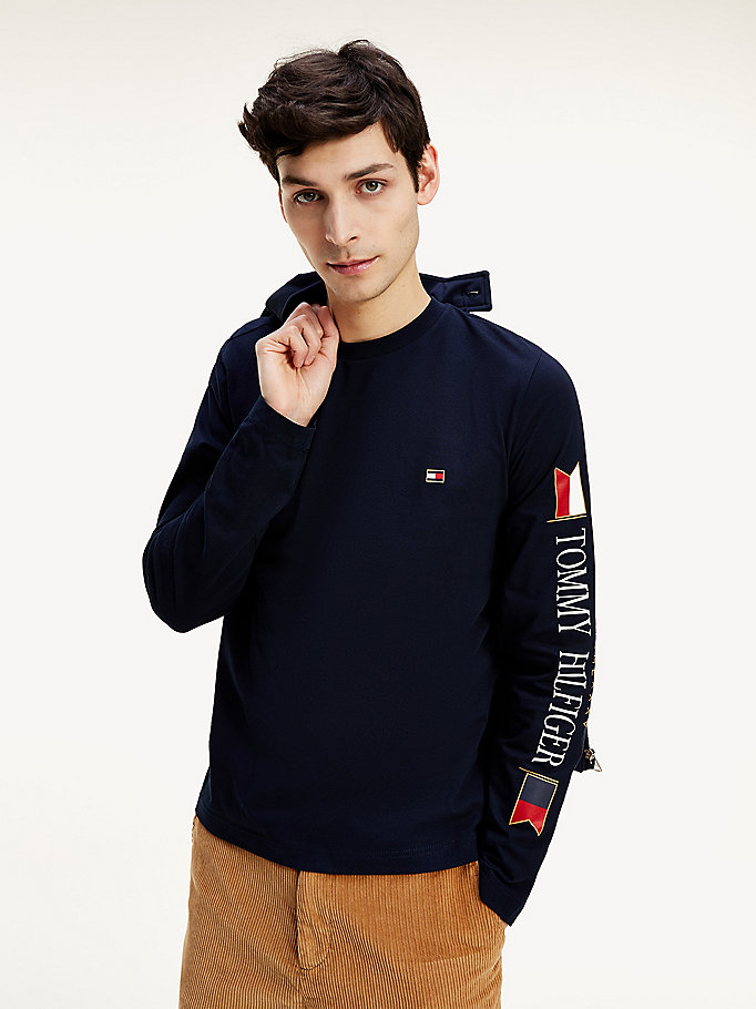 blue long sleeve flag organic cotton t-shirt for men tommy hilfiger